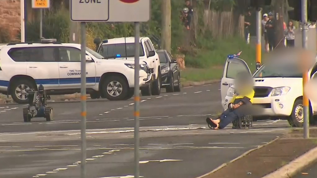 Bomb squad operation on Sydney road