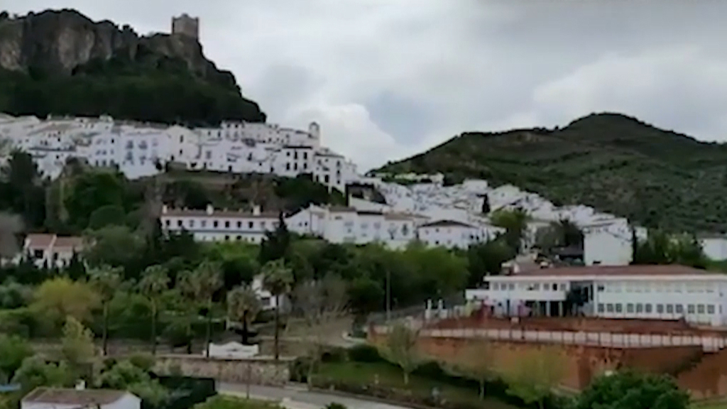Coronavirus: Hilltop fortress town cuts itself off from COVID-19