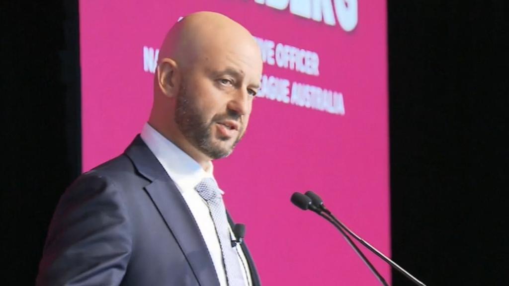 Greenberg won't quit as NRL boss