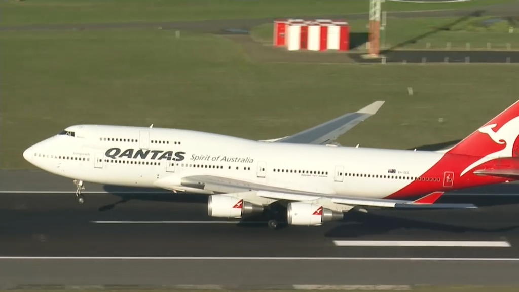 Coronavirus: Qantas crew members tests positive