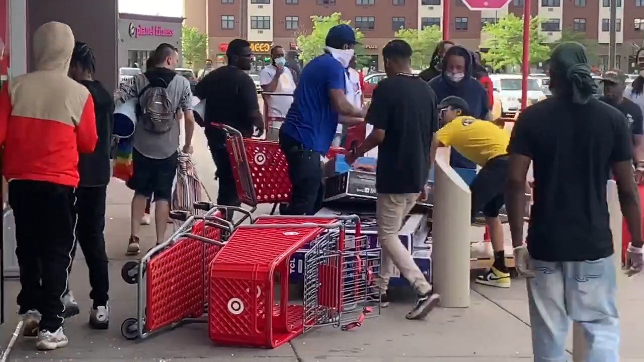 Looting at Target store during Minneapolis protests