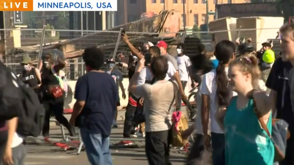 Violent protests turn deadly in Minneapolis