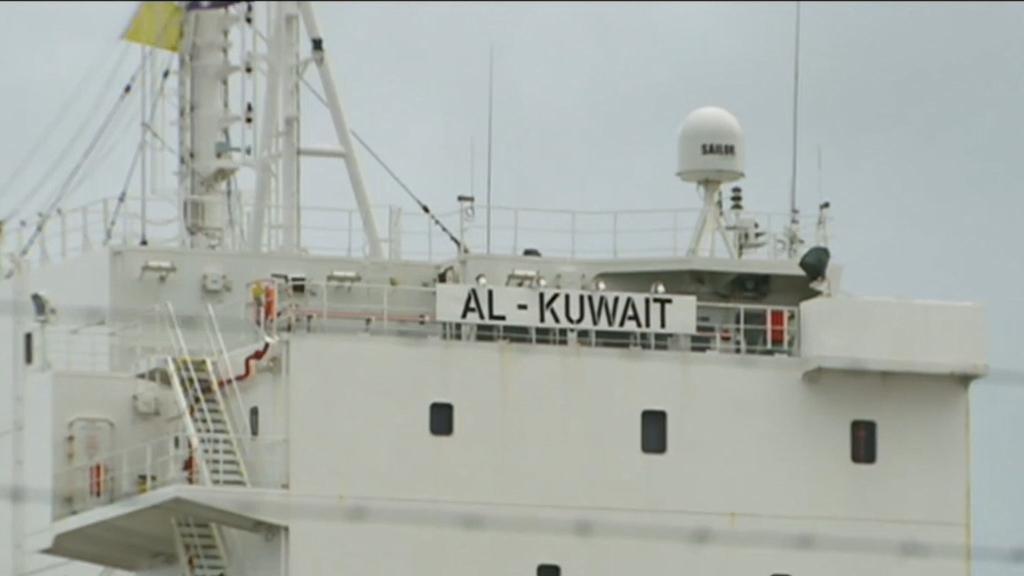Coronavirus: Livestock ship docked in WA awaits answer