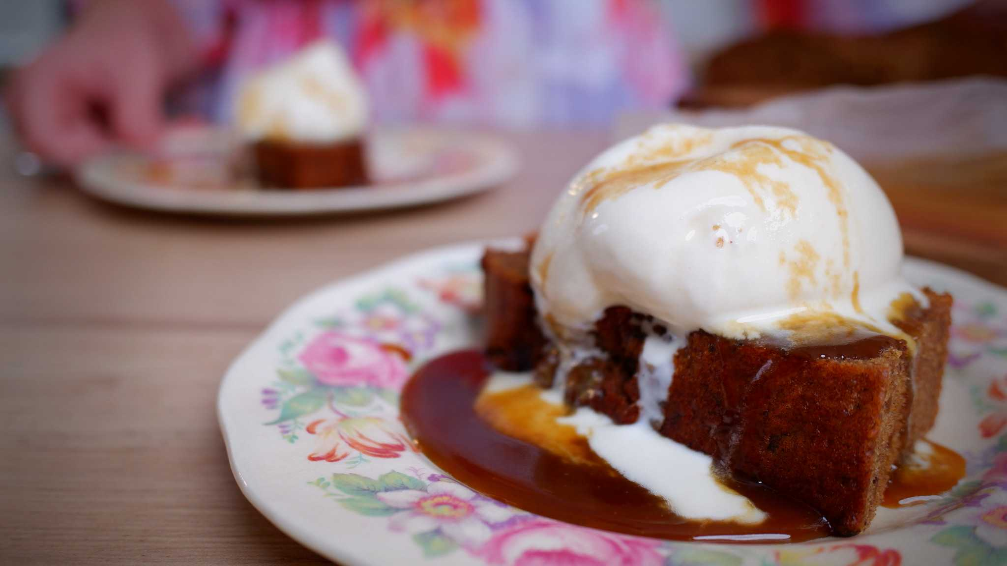 9Honey Every Day Kitchen: Classic sticky date pudding with butterscotch sauce