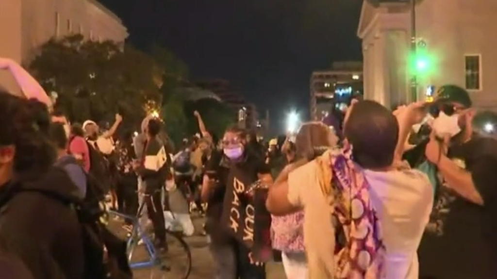 US protests: Washington DC swarmed by protesters