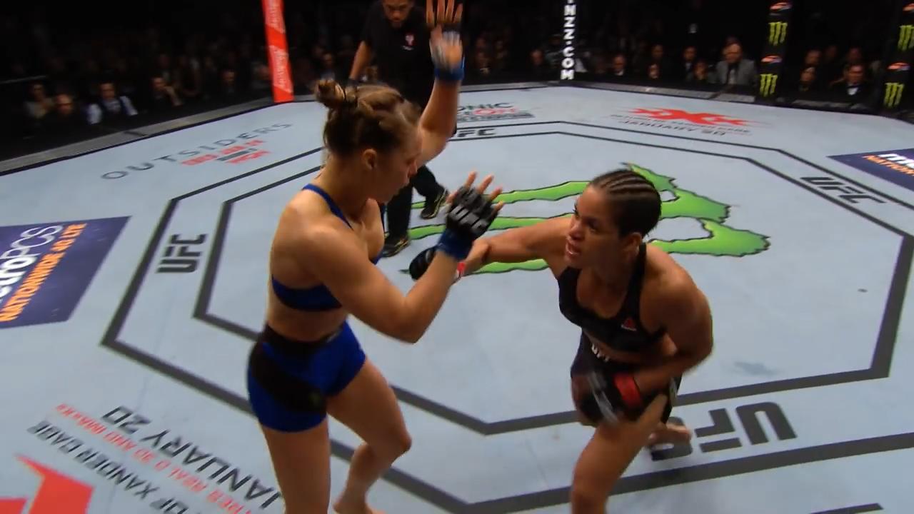Amanda Nunes defeats Ronda Rousey
