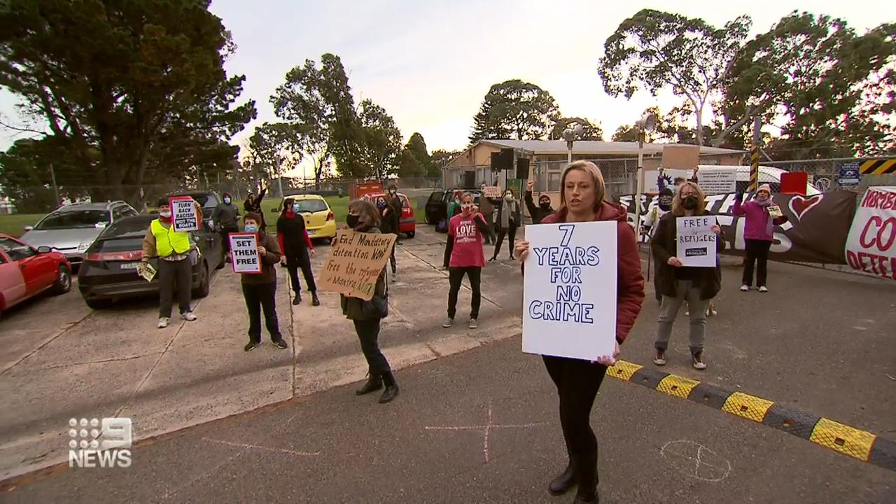 Sydney teacher among four NSW virus cases
