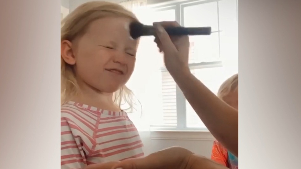 Mum shares incredible sunscreen application hack