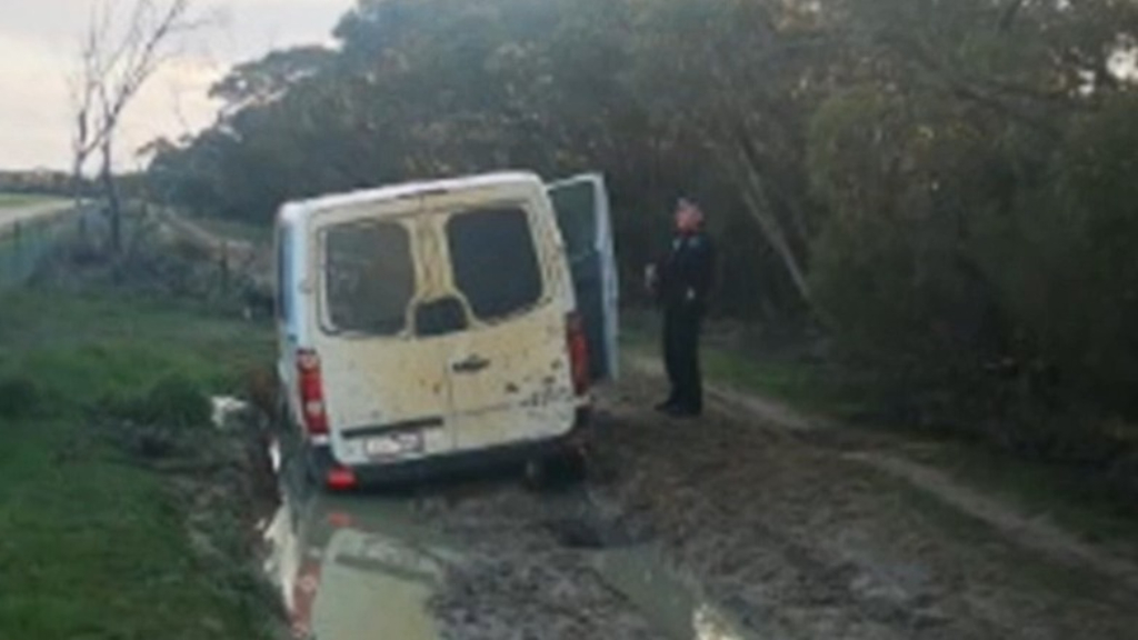 Victorian men busted trying to sneak across border after becoming bogged