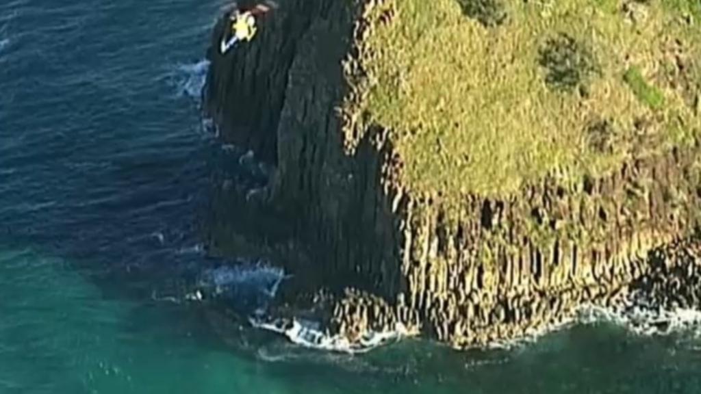 Fraser Island shark attack kills Queenslander