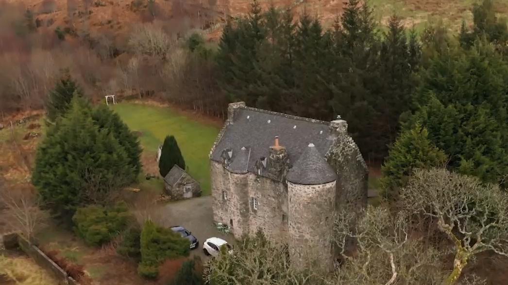 Australian couple transform Scottish castle into Airbnb