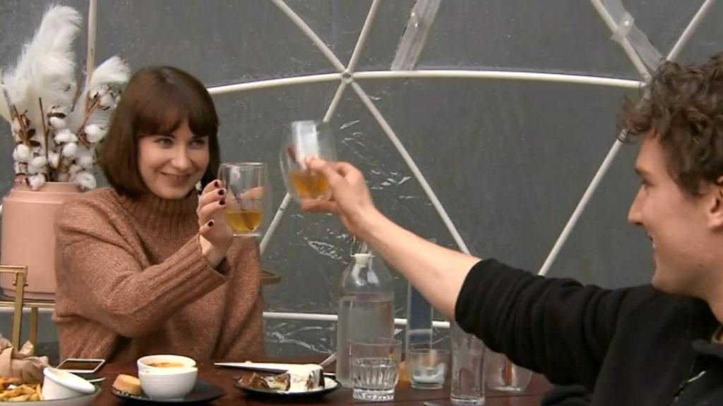 Coronavirus: Melbourne pubs call last drinks before closure