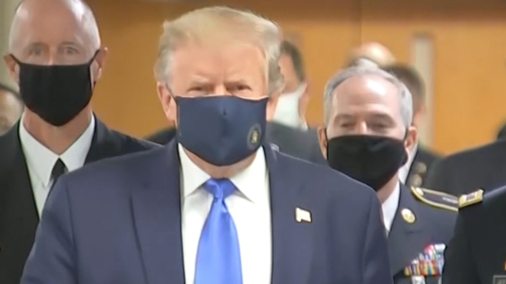 Coronavirus: Trump wears mask for first time during pandemic