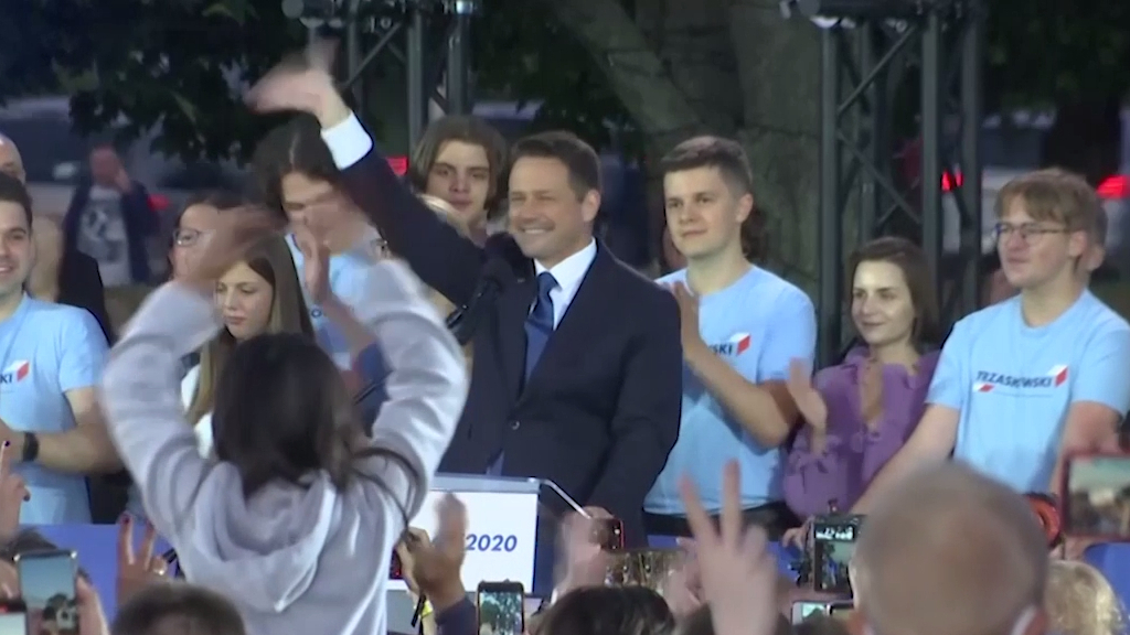 Turnout high for Poland's momentous presidential runoff