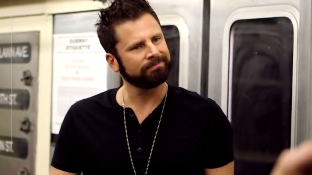 Dulé Hill crashes James Roday subway interview