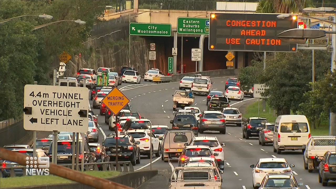 Calls for additional signage in major Sydney tunnels