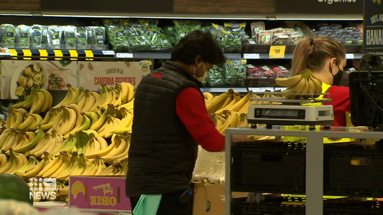 Coronavirus: Melbourne supermarkets reach deal with government