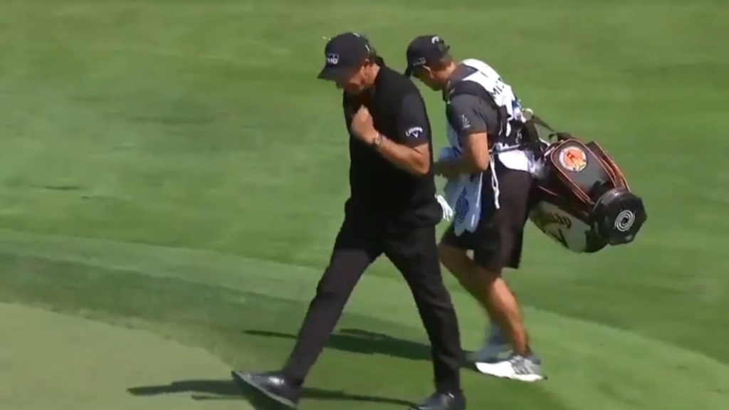 Mickelson makes long eagle chip-in