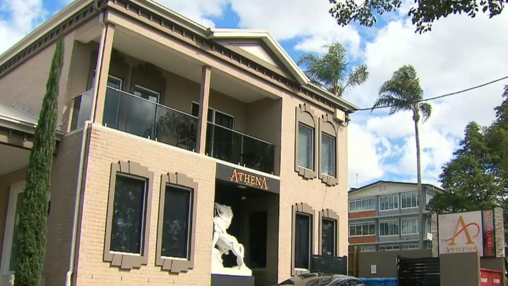 Coronavirus: Man who absconded hotel quarantine