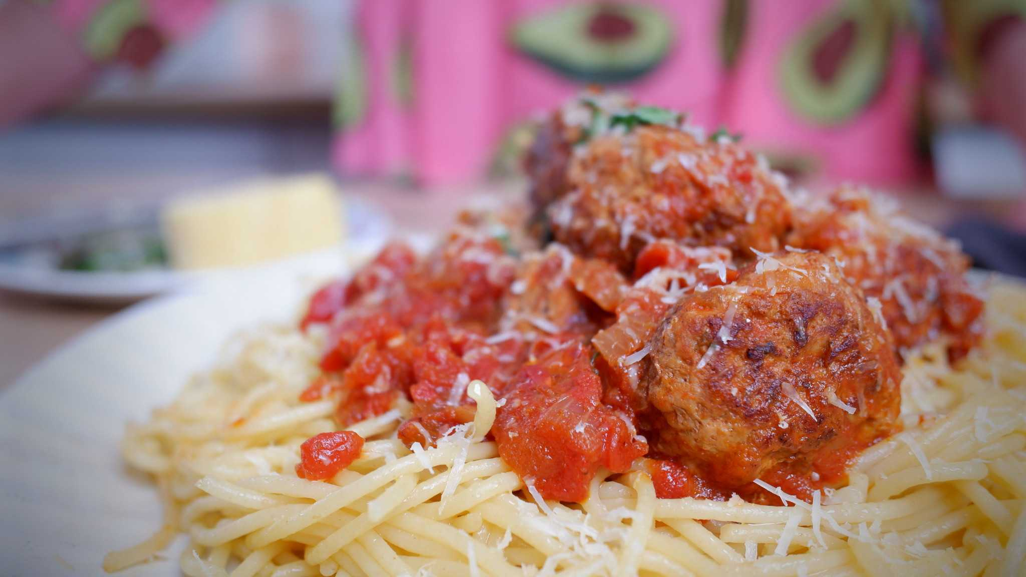 9Honey Every Day Kitchen: These are movie style meatball