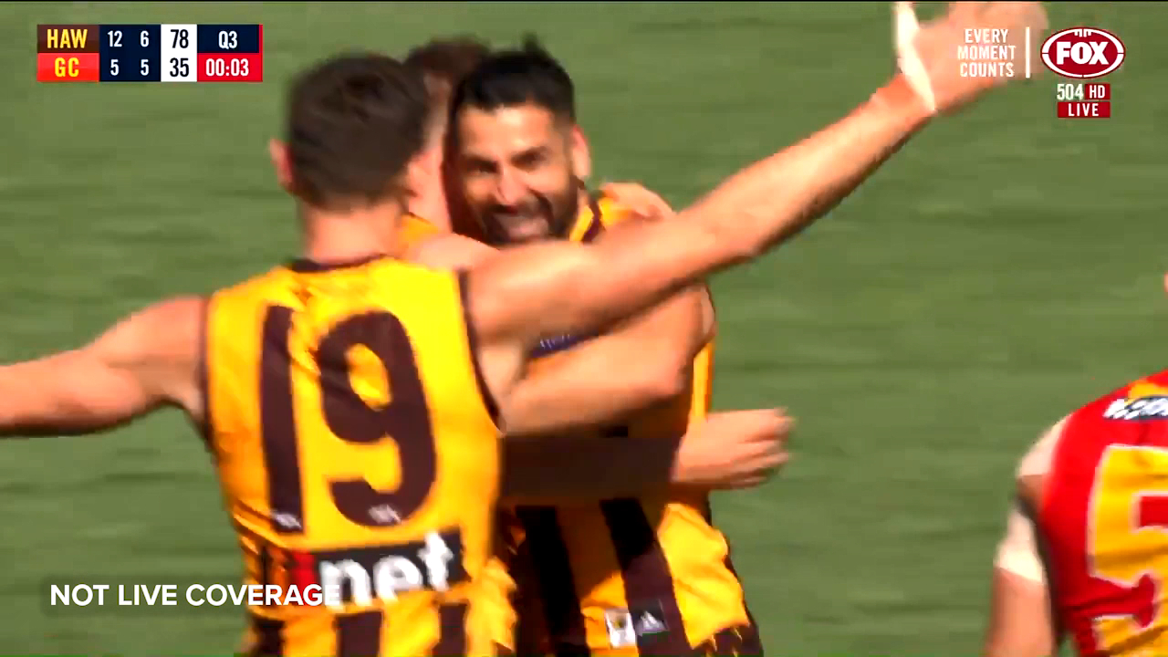 Poppy beats the siren in final match