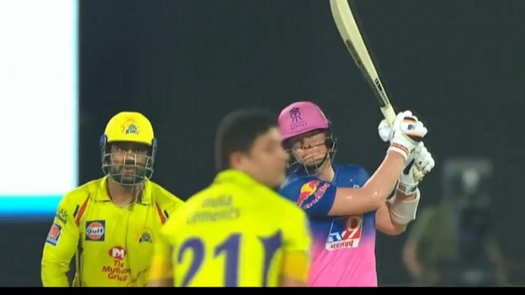 Smith blasts six in IPL innings of 69