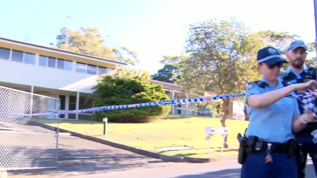 Man on run after Sydney stabbing attack