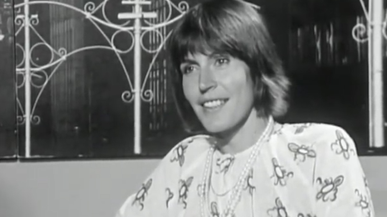 Helen Reddy speaks about her songs and feminism.