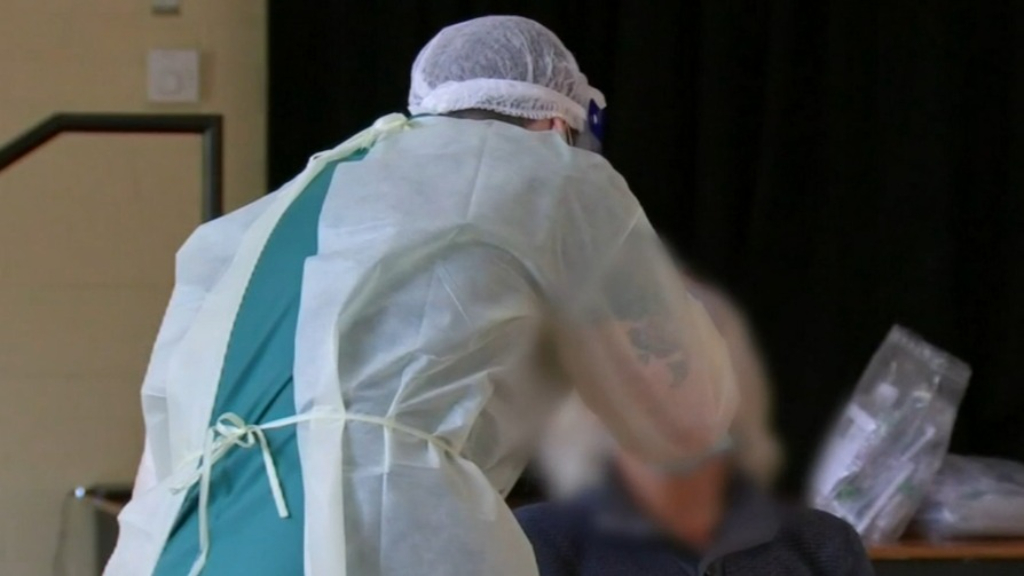 Coronavirus: Chadstone shoppers told to monitor for symptoms