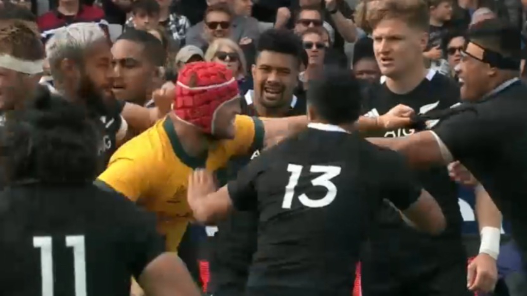 All Blacks, Wallabie clash early