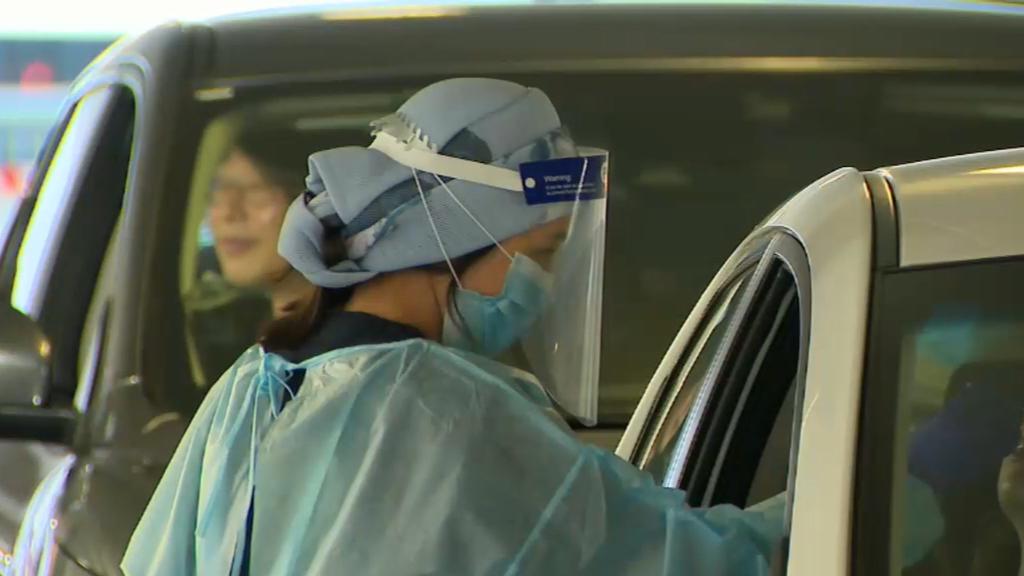 Coronavirus: Two Melbourne schools shut down as outbreak grows