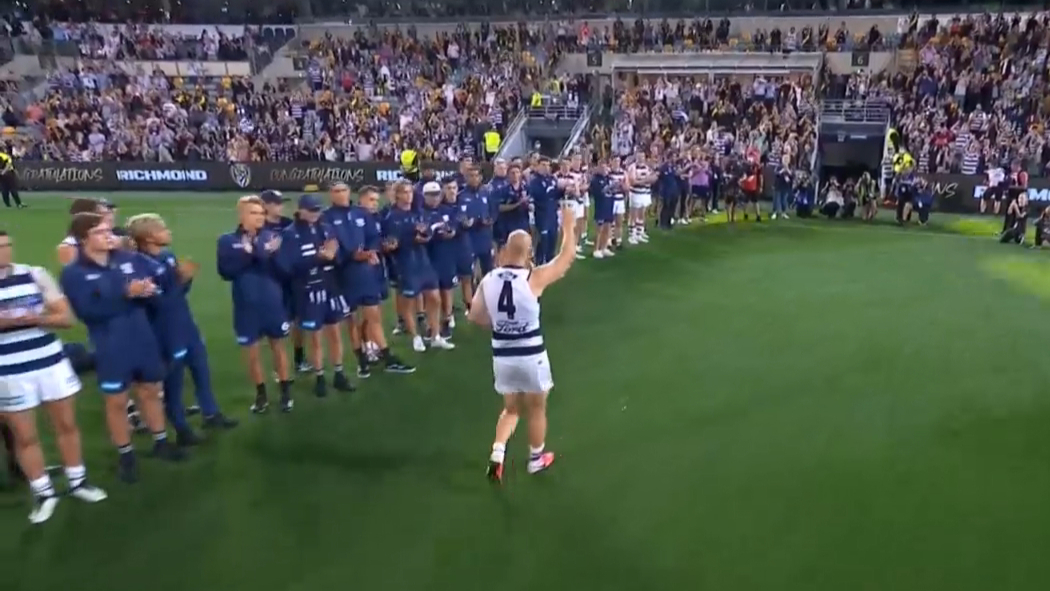 Ablett given a guard of honour in final AFL game