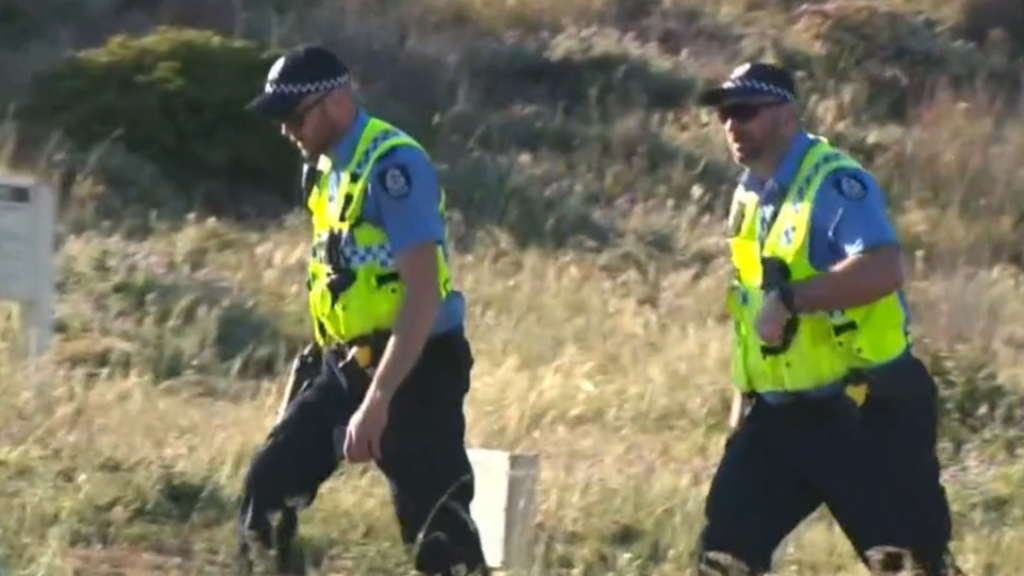 Search will resume for woman dragged off WA coast
