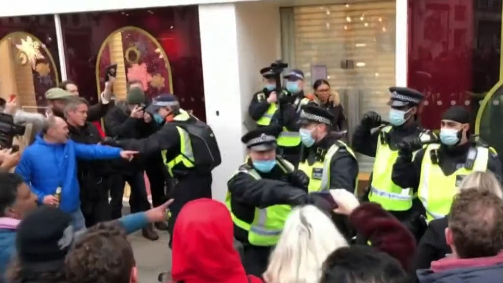Coronavirus: London anti-lockdown protestors arrested