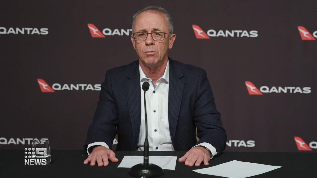 Qantas sack 2000 workers