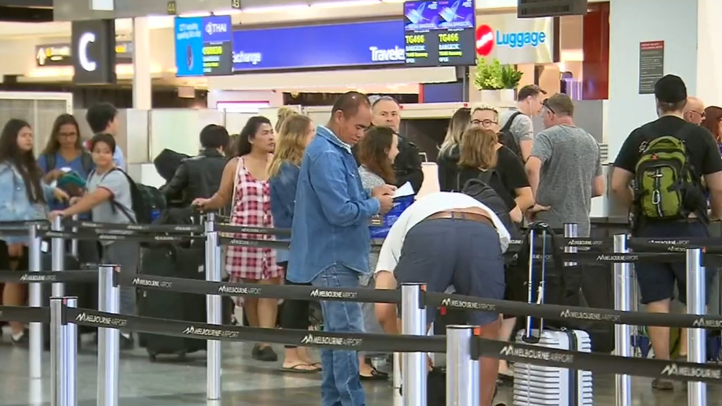Coronavirus: International arrivals return to Victoria