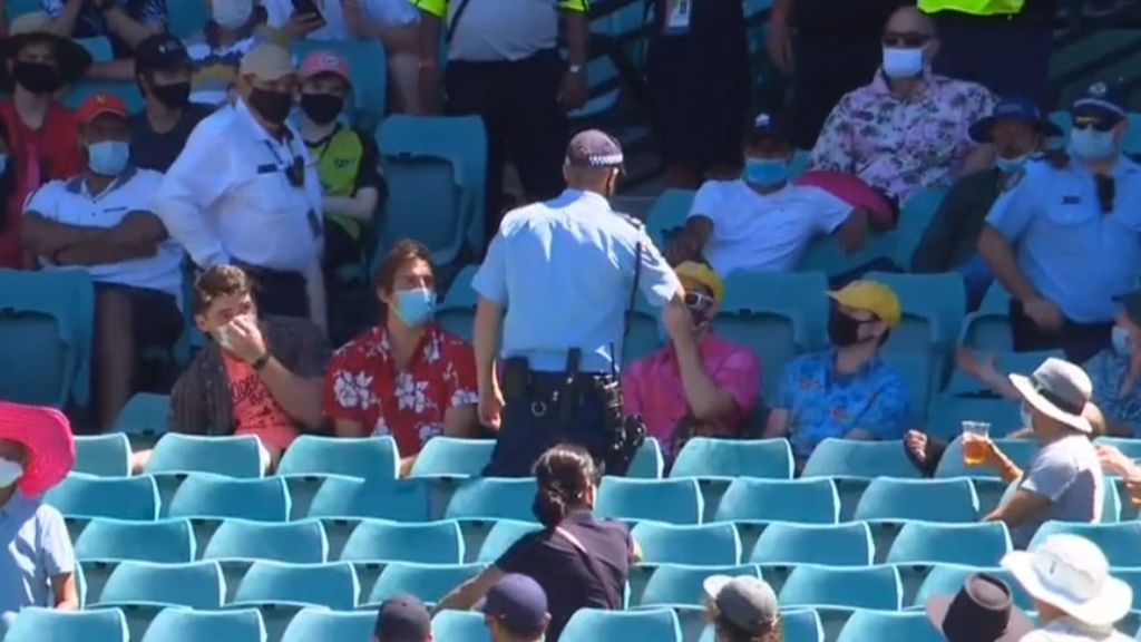 Sydney Test blemished by alleged racist abuse from SCG crowd
