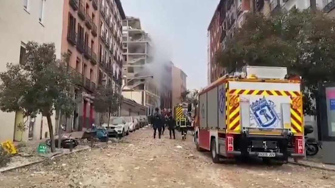 Explosion rocks central Madrid
