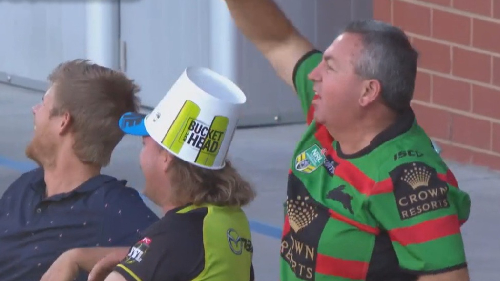 'Random Souths Guy' takes BBL crowd catch