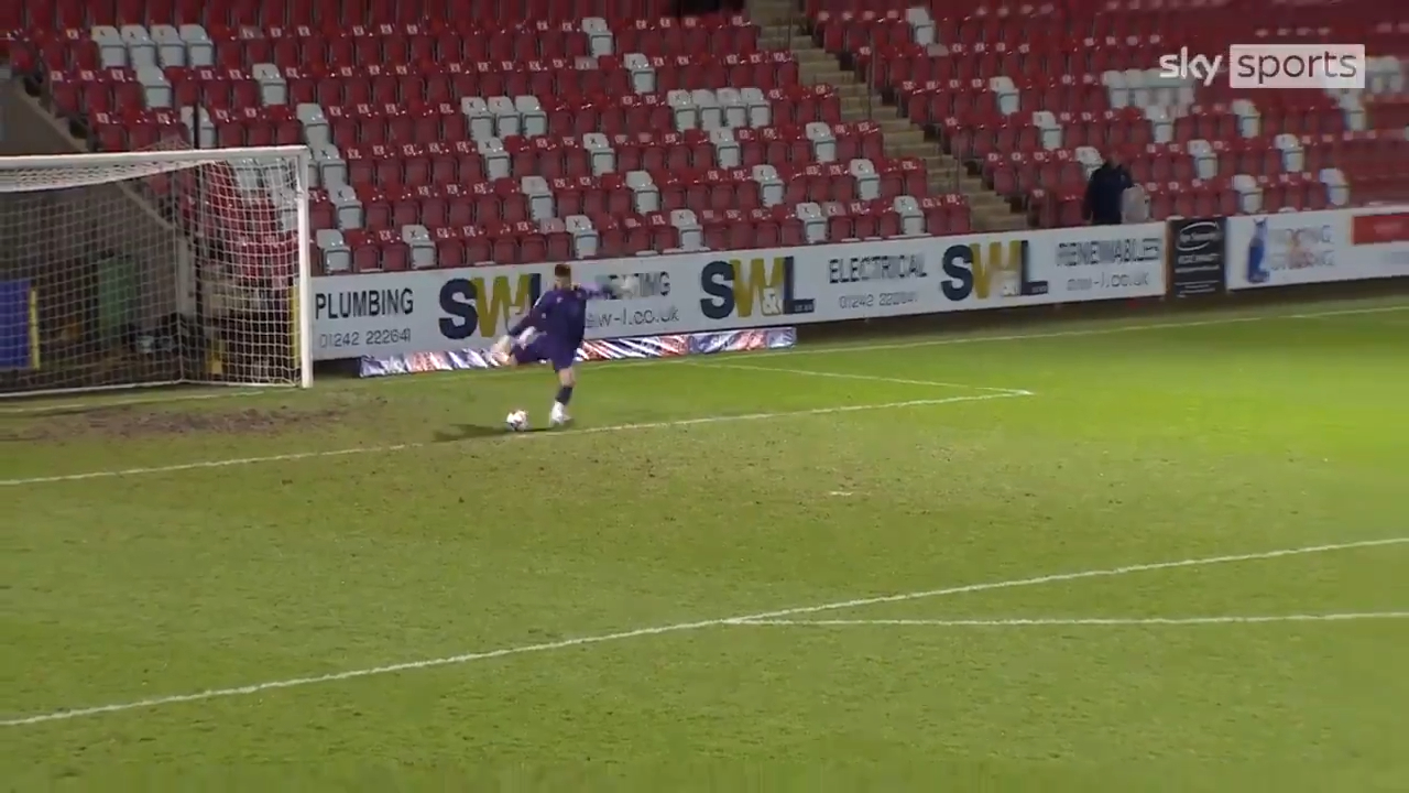 Keeper sets new record for longest goal