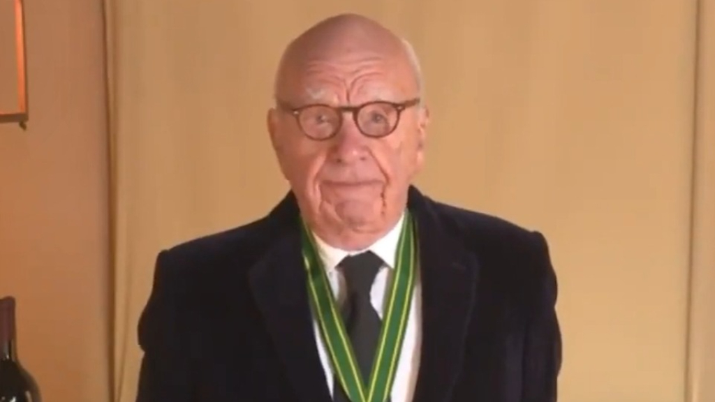 Rupert Murdoch accepts lifetime achievement award