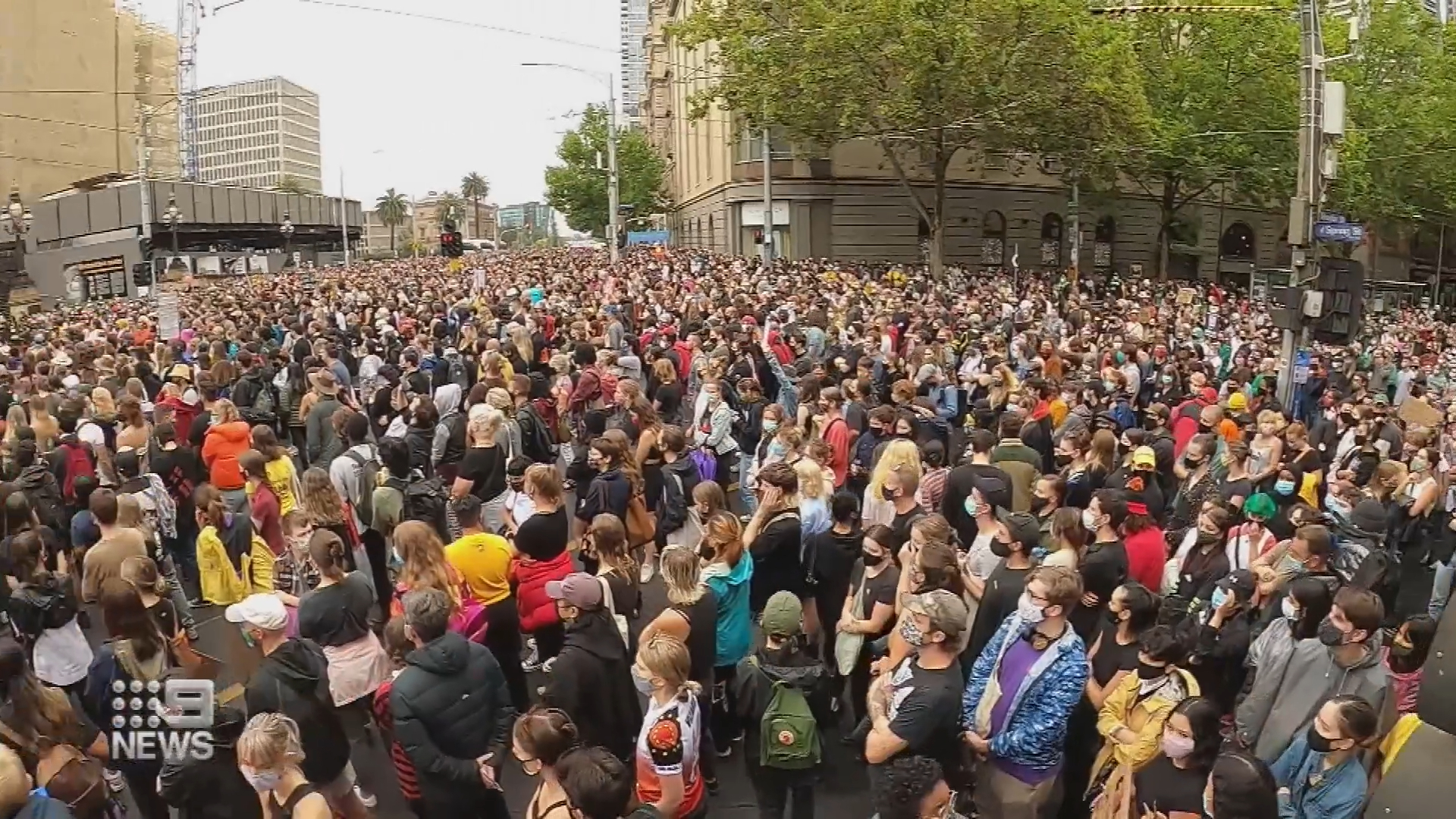 Melbourne Invasion Day march disrupted by lone antagonist