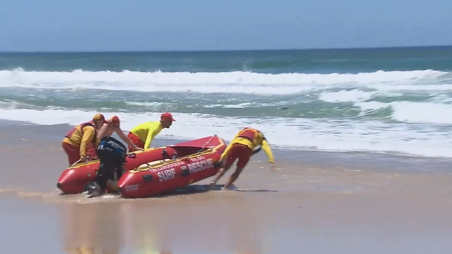 Gold Coast lifesavers perform 40 rescues on Australia Day