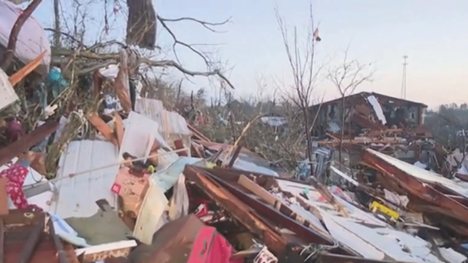 US teen killed and at least 30 injured in tornado