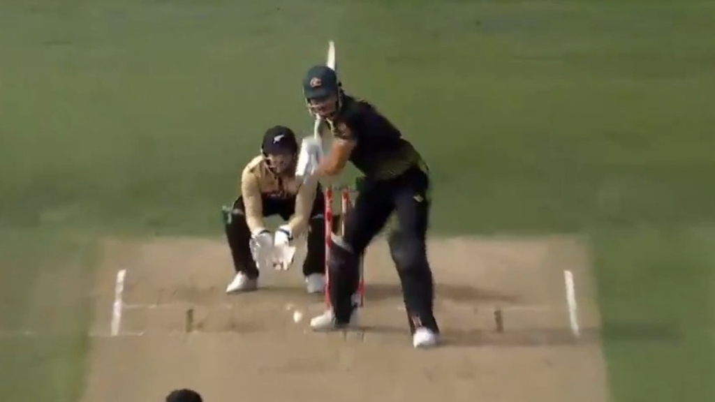 Marcus Stoinis on fire as the Aussies fight back