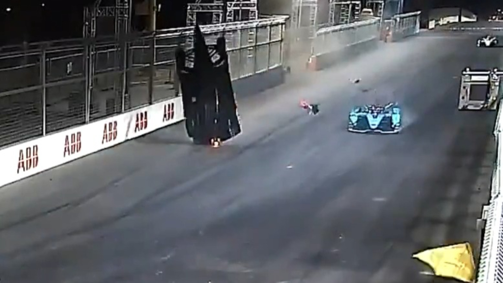 Alex Lynn's horror Formula E crash