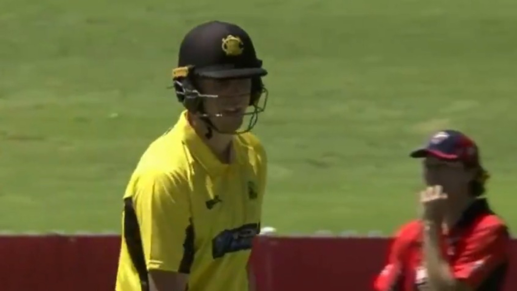 Green smashes Head for three sixes in a row