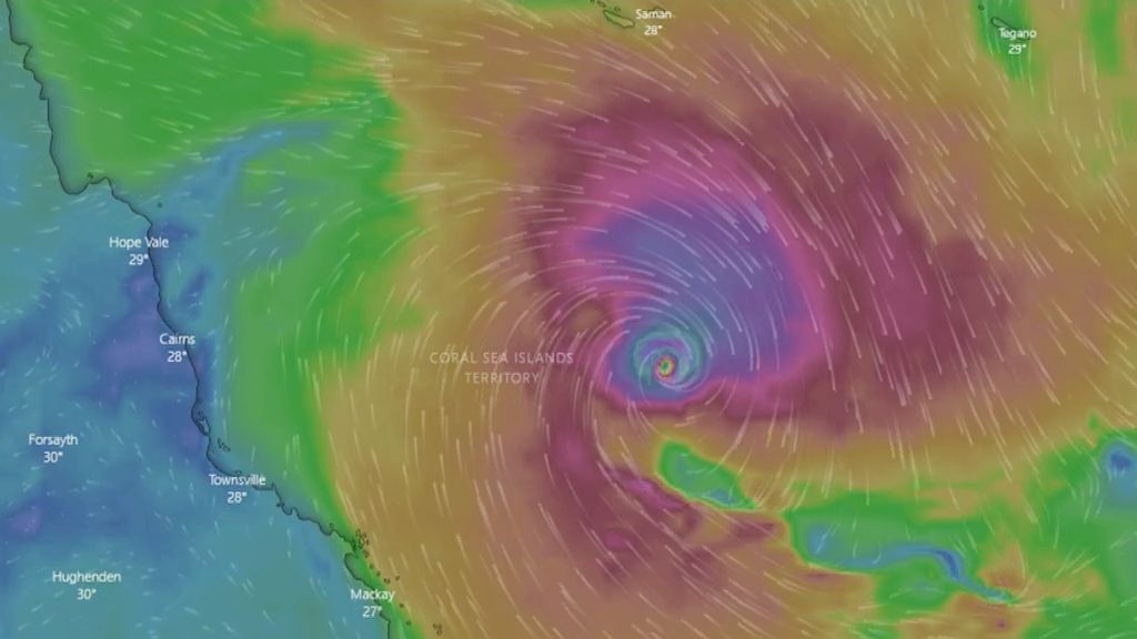 Tropical Cyclone Niran hovers off Far North Queensland