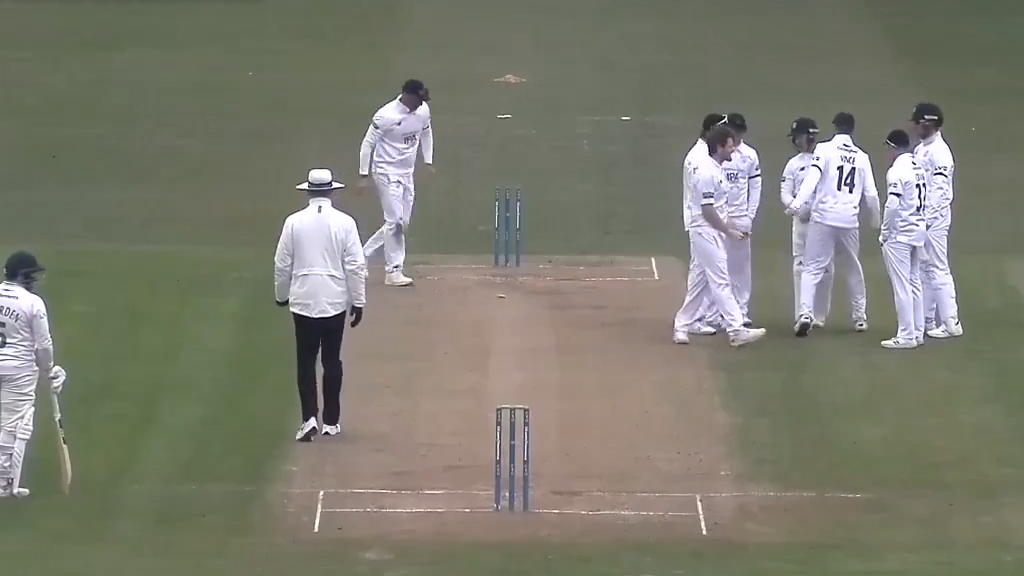 Blatantly incorrect stumping call sours match
