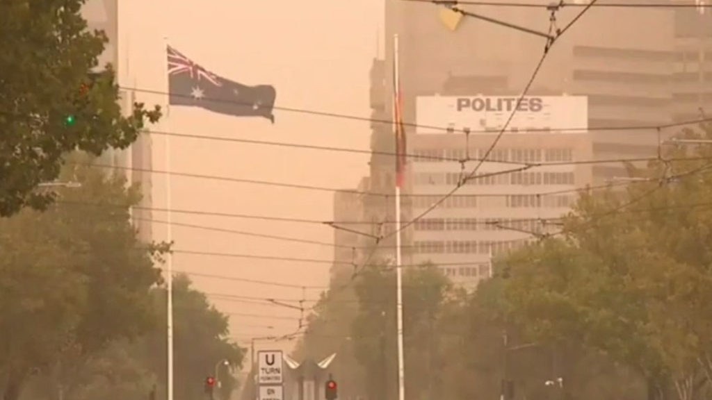 Adelaide covered by thick and unexpected dust storm